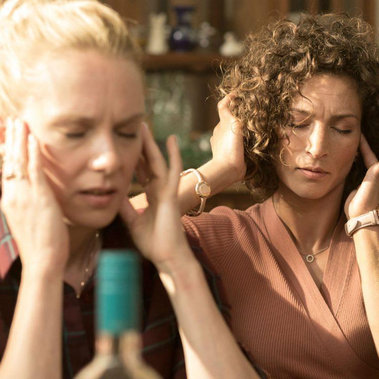 Filmrecensie: Huisvrouwen bestaan niet 2