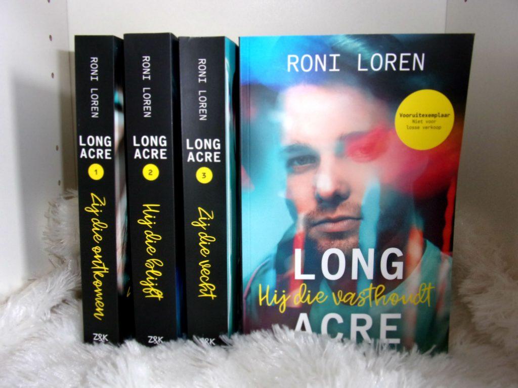 Hij die vasthoudt - Roni Loren
